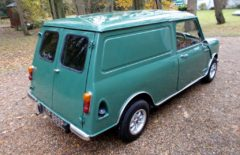 Mini Van 1976 Restored (LTF889P)