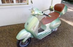 Vespa Granturismo GT 200 only 1,900 miles from new (LF04DLD)
